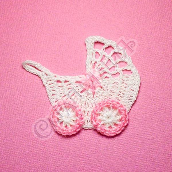 Вязанная коляска белая с розовым цветком-2 6,5х6 см 1 шт.